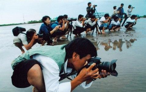 Nhiều nhà báo thiếu tỉnh táo vì khát nước