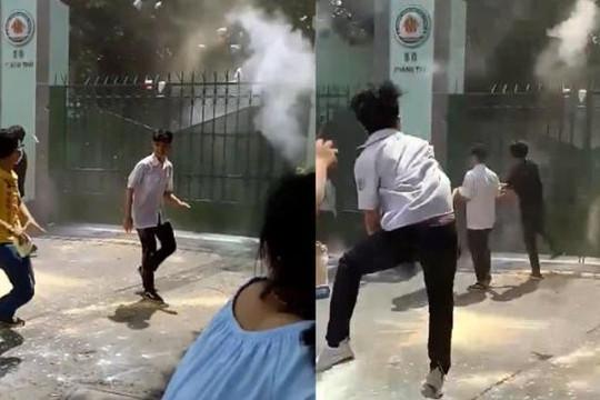 Lý do nhóm học sinh Nguyễn Khuyến ném sơn, bột vào trường sau lễ bế giảng
