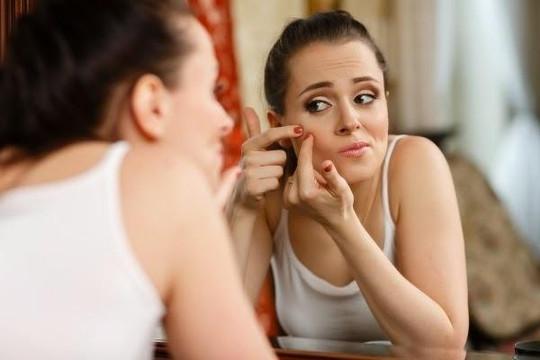 Những sai lầm tàn phá làn da của bạn