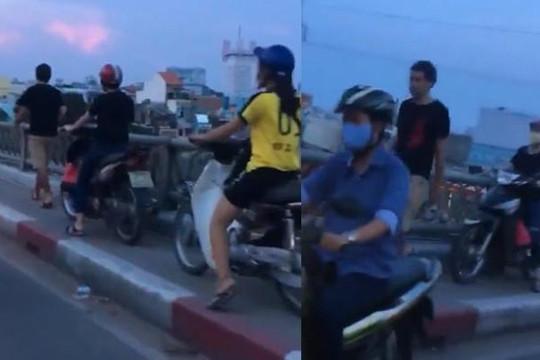 Anh Tây cản đường hàng loạt xe máy đi sai luật ở Sài Gòn