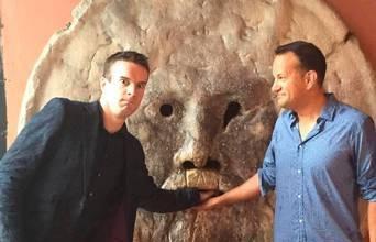 Chuyện tình của ông Leo Varadkar- chính khách đồng tính vừa đắc cử Thủ tướng Ireland