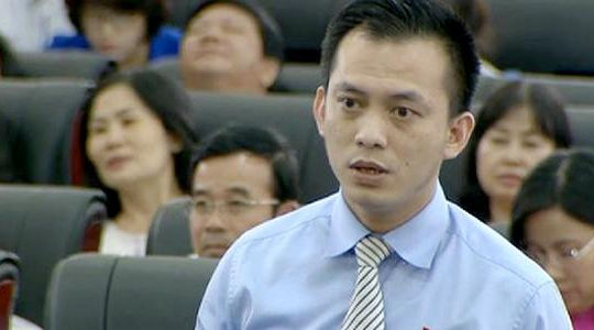 Ông  Nguyễn Bá Cảnh băn khoăn với việc giữ xe miễn phí trong bệnh viện công