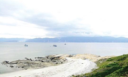 Hiệp hội Tôm Bình Thuận lên tiếng vụ nhận chìm gần 1 triệu m3 bùn, cát ra biển