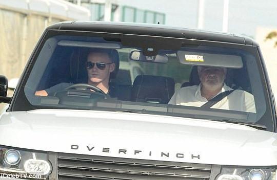Wayne Rooney đã đến Everton để kiểm tra y tế