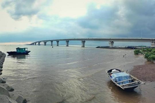 Nguyên Thứ trưởng Bộ Xây dựng vạch rõ sai sót ở cầu vượt biển dài nhất Đông Nam Á