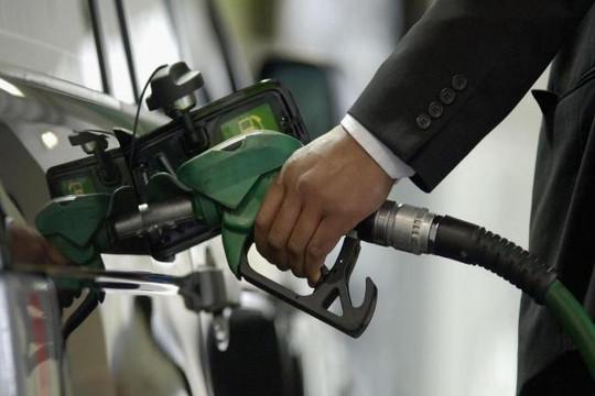 Anh cấm bán xe chạy xăng và dầu diesel từ năm 2040