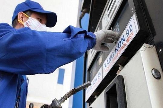 Xả quỹ bình ổn, xăng dầu vẫn tăng mạnh từ 15 giờ chiều nay 4.8