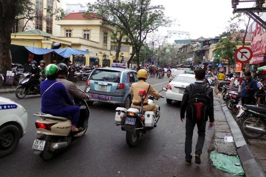 Hà Nội cấm taxi trên một loạt tuyến phố