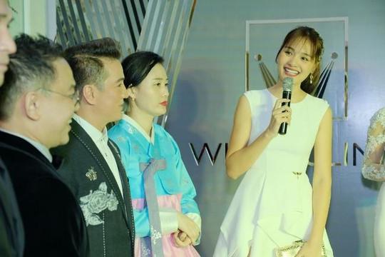 Ngỡ ngàng với thân hình thon gọn của hoa hậu '2 con' Hương Giang