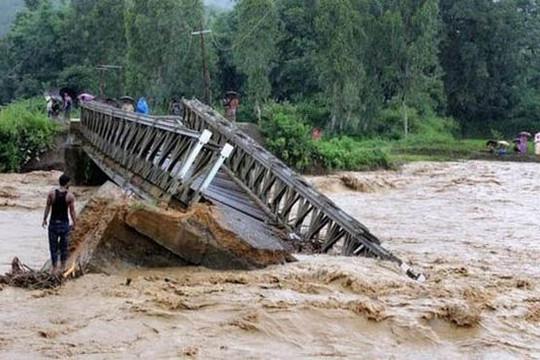 Nhiều tỉnh vùng núi phía bắc bị nguy cơ sạt lở đất và lũ quét