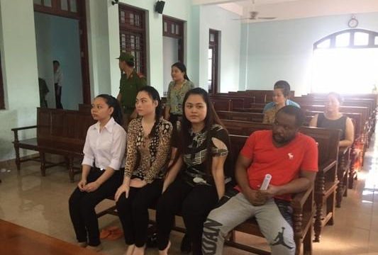 Trả hồ sơ vụ trai Tây lừa tình, tiền của nhiều phụ nữ Việt