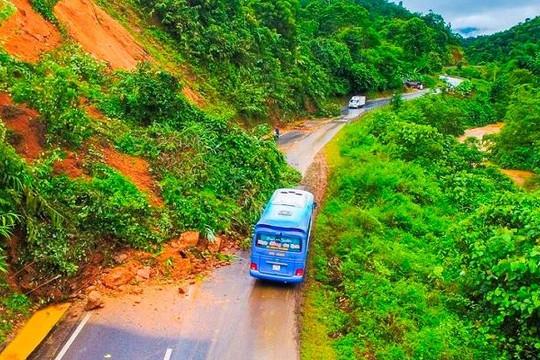 Quốc lộ quan trọng nhất tỉnh Điện Biên sạt lở nghiêm trọng