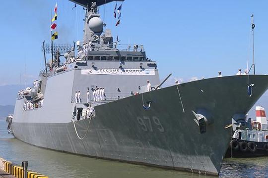 Hai khu trục hạm Hải quân Hàn Quốc vào Đà Nẵng