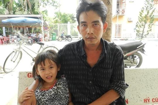 Dân khu vực chùa Bà Chúa - Châu Đốc xôn xao về vụ 'xe tự chạy cán chết người'