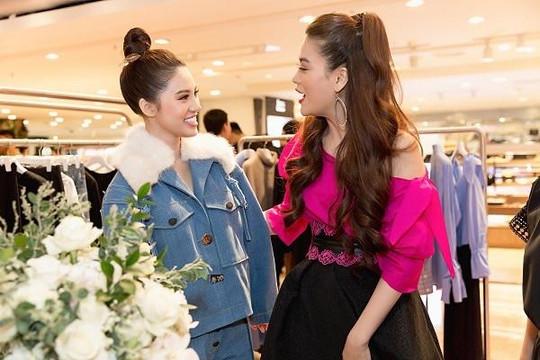 Hoa hậu Jolie Nguyễn nổi bật cùng Trương Ngọc Ánh tại sự kiện