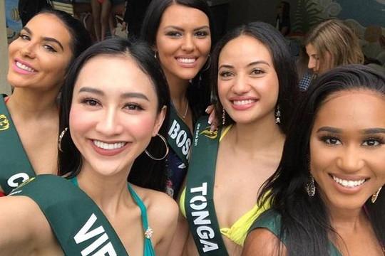 Hà Thu gợi cảm trong trang phục bikini, 'đọ dáng' với thí sinh Miss Earth 2017