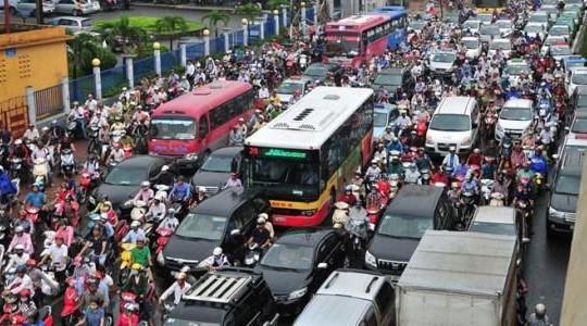 Doanh nghiệp lo thêm gánh nặng khi thu phí ô tô vào trung tâm TP.HCM