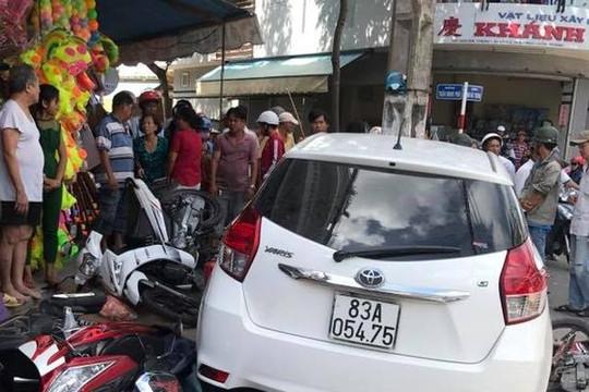 Công an Sóc Trăng nói gì về việc ô tô bị tạm giam bỗng 'lao ra đường' tông liên hoàn?