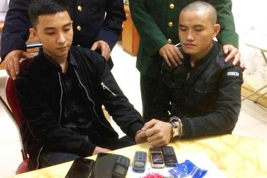 Bắt hai thanh niên 9X dùng xe Innova chở ma túy qua biên giới