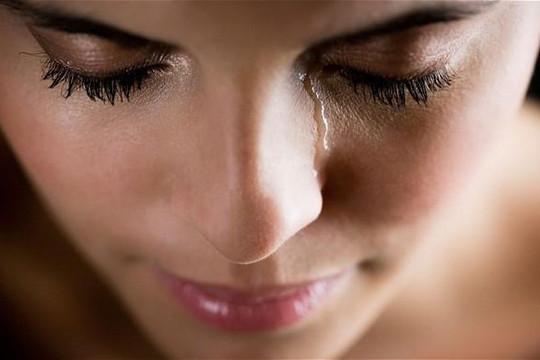 Tại sao phụ nữ khóc nhiều hơn đàn ông?