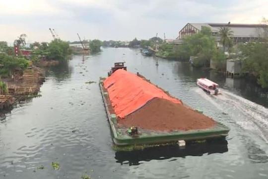 Cảnh báo nguy cơ sạt lở kênh rạch ở TP.HCM