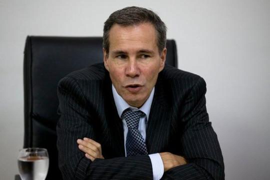 Tố cáo Tổng thống Argentina phản quốc, công tố viên bị giết
