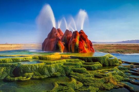 Huyền ảo cảnh tượng mạch nước phun kỳ dị như trên sao Hỏa