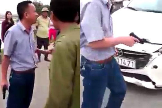 Ô tô móp đầu sau va chạm, người đàn ông Hà Tĩnh rút súng dọa đối phương