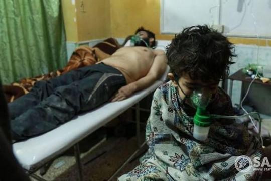 Phe đối lập tố quân đội Syria ném bom hóa học vào Đông Ghouta, Damascus bác bỏ