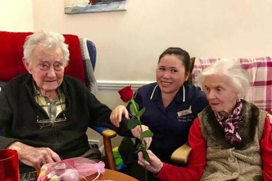 Sau 80 năm chung sống, cặp vợ chồng cùng qua đời trong một ngày