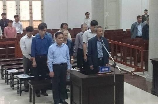 Vụ vỡ đường ống nước sông Đà: Luật sư yêu cầu triệu tập ông Phí Thái Bình