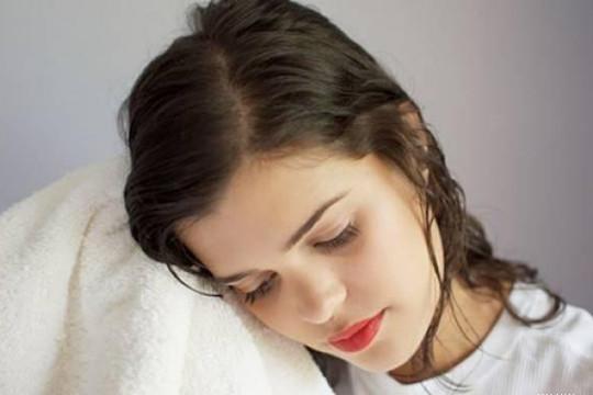 Những thói quen tuyệt đối nên tránh nếu không muốn gây hại cho tóc