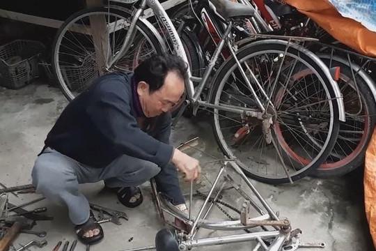 Cựu binh mua phế liệu ráp xe đạp tặng học sinh nghèo