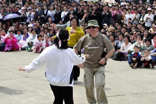 Loạt ảnh người dân và du khách 'ăn, chơi' ở Triều Tiên
