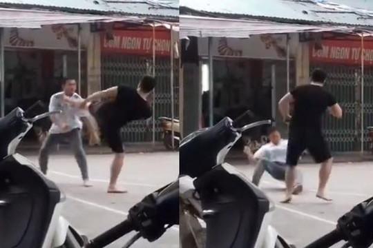 Clip thách đấu võ sư tán thủ hơn 80kg ở Hà Nội, thầy dạy võ cổ truyền 68kg bị đá bất tỉnh