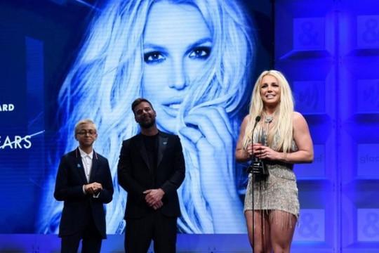 Britney Spears được cộng đồng LGBT Mỹ tôn vinh