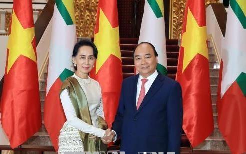 Việt Nam-Myanmar cam kết đẩy mạnh hơn nữa về thương mại, đầu tư