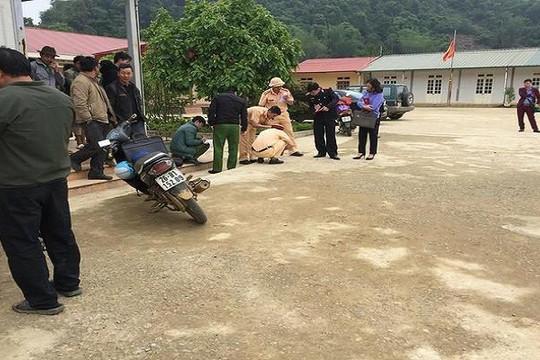 Sơn La: Giáo viên lùi xe trong sân trường cán chết học sinh