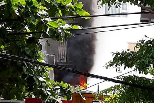 Video: Cháy ở chung cư cao cấp Fhome Đà Nẵng, xe cứu hỏa không tiếp cận được