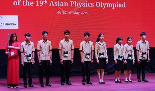 Học sinh 25 quốc gia, vùng lãnh thổ dự thi Olympic Vật lý châu Á tại Hà Nội