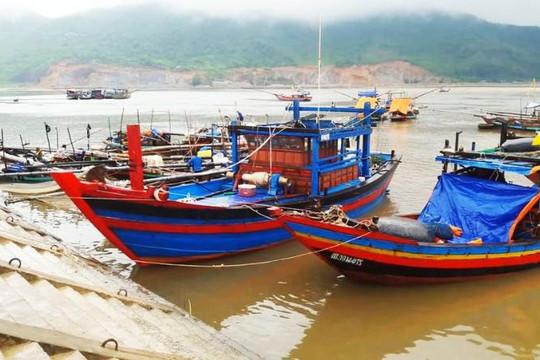 Va chạm khi vào cảng Cửa Sót: Tàu cá chìm, 1 người bị thương