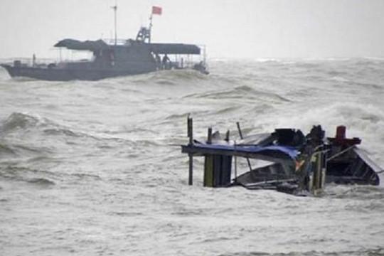 Tàu cá bị chìm, 31 ngư dân trôi dạt ở Trường Sa
