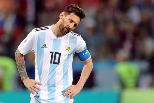 Thua Croatia vẫn bênh vực Messi, HLV Sampaoli bị đòi sa thải
