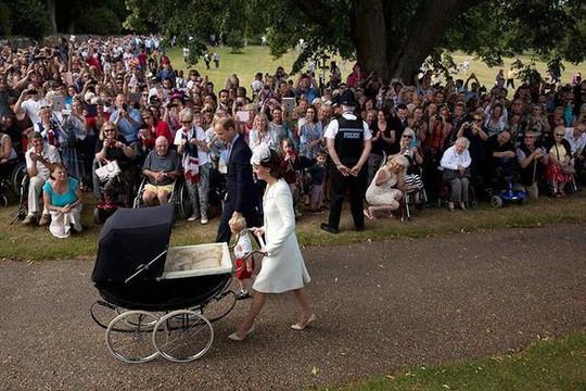 Những điều bạn chưa biết về lễ rửa tội của Hoàng tử trong Hoàng gia Anh