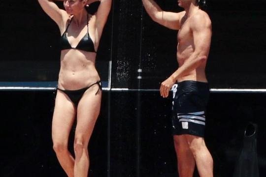 Gwyneth Paltrow diện bikini khoe cơ thể săn chắc ở tuổi U.50