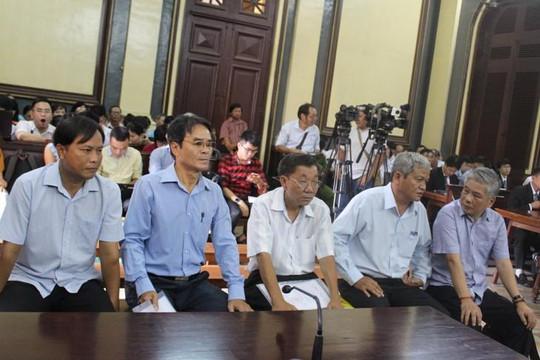 Phiên xử nguyên Phó thống đốc NHNN: Luật sư đề nghị dùng tài liệu mật