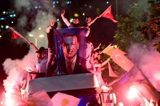 Tổng thống Erdogan tái đắc cử, gia tăng quyền lực