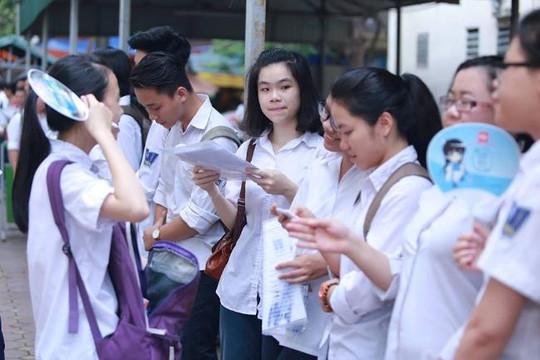 Loạn tuyển sinh lớp 10 ở Hà Nội: Lợi dụng nỗi lo của phụ huynh để kinh doanh