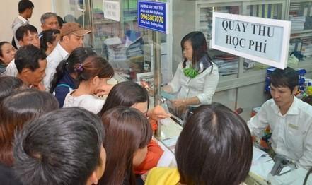 Bộ GD-ĐT 'cảnh báo' tình trạng lạm thu đầu năm học mới