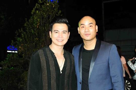 Lâm Hùng quyên góp hơn 200 triệu đồng ủng hộ hai nghệ sĩ Lê Bình, Mai Phương